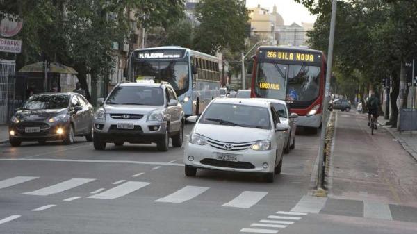 Motoristas não conseguem ainda pagar seguro obrigatório de veículos